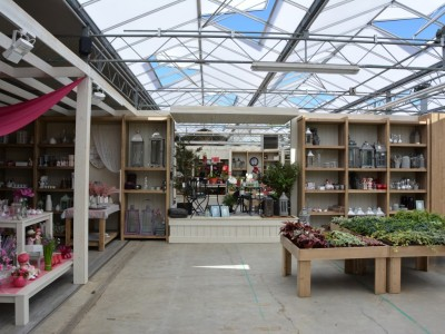 Renovation garden centre
