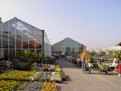 Chladek2 Breedkapper Garden centre Tuincentrum