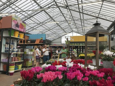 Ferencik garden centre wide span